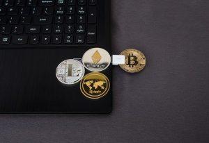 sieben Altmünzen bei Bitcoin Trader